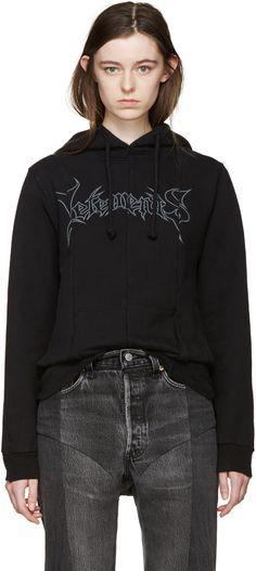 ヴェトモン(VETEMENTS)メタルロゴフーディー Black Metal Logo Hoodie