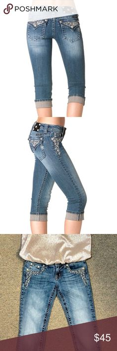 Miss Me Studded Bling Capris JP6168P Size 25 These Miss Me capris are gorgeous!  SO MUCH BLING!!!   They are in good used condition.  Missing one metal stud on back. You'll absolutely love them!  Check photo for waist measurements. Miss Me Jeans Ankle & Cropped