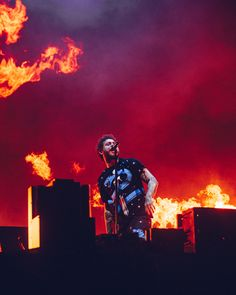 Reading Festival 2020 will take place 28 - August bank holiday weekend. Bedroom Wall Collage, Photo Wall Collage, Picture Wall, Red Aesthetic, Aesthetic Pictures, Post Malone Wallpaper, Post Malone Lyrics, Reading Festival, Red Walls