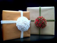 Fluffy Pom-Pom Topper - decorate your presents with yarns