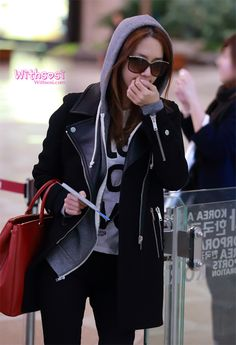 http://okpopgirls.rebzombie.com/wp-content/uploads/2012/11/SNSD-Yoona-airport-fashion-nov-5-2-1.jpg