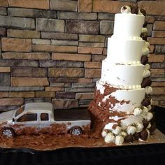 Awesome redneck wedding cake idea I'm totally doing something like this for my wedding. I think a hay bale shaped cake with horses eating it would be better lol Redneck Wedding Cakes, Country Wedding Cakes, Rustic Wedding, Our Wedding, Dream Wedding, Redneck Weddings, Country Weddings, Jeep Wedding, Country Wedding Groomsmen