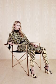 Love the mix of prints and those divine shoes!!!