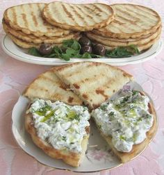 Cooking Bread, Bread Baking, Romanian Food, I Want To Eat, Tzatziki, Recipe Images, Cookie Recipes, Good Food, Food And Drink