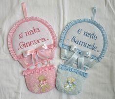 fiocchi nascita totalmente personalizzabile con altri tessuti e pupazzetti e nome punto croce; video: https://youtu.be/Vde4nrZd5FA