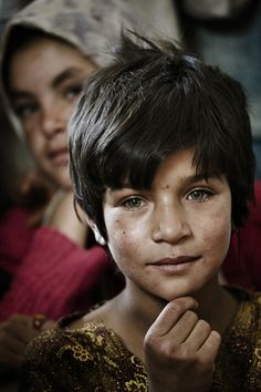 ♀ Children face Volti dall'Afghanistan.... Am convinced still one of the world's most beautiful people!