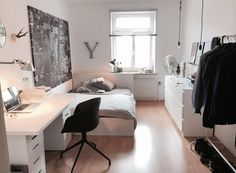 Bright room in shared flat with layer and modern furnishings. Bright room in shared flat with layer and modern furnishings. The post Bright room in shared flat with layer and modern furnishings. appeared first on Schreibtisch ideen. Room Ideas Bedroom, Small Room Bedroom, Bedroom Ideas For Small Rooms, Bedroom Furniture, Luxury Furniture, Bedroom Black, Bedroom Inspo, Bedroom Wall, Bedroom With Tv