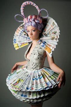 ℘ Paper Dress Prettiness ℘ Victorian Newspaper Princess Dress and Neck Collar Paper Fashion, Fashion Art, Fashion Show, Dress Fashion, Trendy Fashion, Recycled Dress, Recycled Art, Recycled Clothing, Recycled Costumes