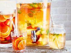 Unser beliebtes Rezept für Pfirsich-Sangria und mehr als 55.000 weitere kostenlose Rezepte auf LECKER.de.