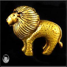 Vintage Danecraft Golden Lion Pin/Brooch