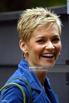 Browse Jessica Rowe Announces Second Pregnancy - File Photos latest photos. View images and find out more about Jessica Rowe Announces Second Pregnancy - File Photos at Getty Images. Super Short Hair, Short Grey Hair, Short Hair Styles, Funky Short Hair, Short Choppy Hair, Short Braids, Pixie Styles, Long Bangs, Older Women Hairstyles