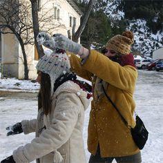 Ale & Berta jugant amb neu