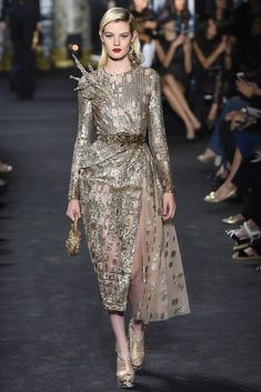 Elie Saab Haute Couture Fall 2017 Collection. #runway #fashion #eliesaab #couture #fabfashionfix