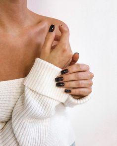 Jewelry Photography, Creative Photography, Photography Poses, Nail Photos, Nail Blog, Minimalist Photography, Something Beautiful, Short Nails, Nails Inspiration