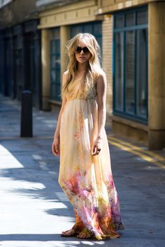 Adorable flowy summer dress