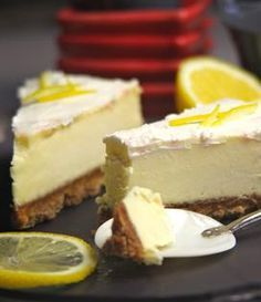 Recipe Lemon Cheesecake, without cooking - Lemon cheesecake, without cooking More - Raw Food Recipes, Sweet Recipes, Dessert Recipes, Easy Cheesecake Recipes, Pumpkin Cheesecake, Lemon Cheesecake, Baked Pumpkin, Chocolates, Food And Drink