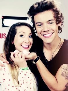 Harry Styles and Zoe Sugg. I CANT EVEN.