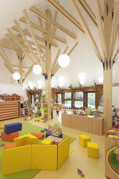 kindergarten lobby interior decoration in green 42 - TrueHome Kindergarten Interior, Kindergarten Design, Daycare Design, Classroom Design, Kids Cafe, Lobby Interior, Interior Decorating, Interior Design, Library Design