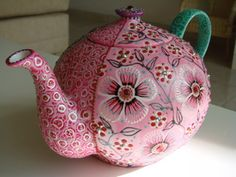 Hand painted tea pot by Nini Violette....adorable and beautiful!!                ✿•♥•.¸¸.•♥•Love•♥•.¸¸.•♥•✿