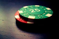 Стратегия больших стэков.  Стратегия больших стэков позволяет продуктивно играть за столом против 7-10 участников. Она подразумевает наличие некоторого уровня подготовки и мастерства, однако, не сложна в освоении.  Чтобы правильно разыгрывать стратегию больши�