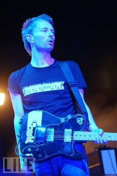Thom (this machine kills fascists)