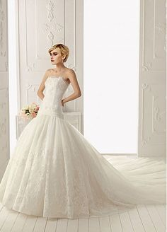 Stunning Organza A-line Strapless Neckline Dropped Waist Beaded Wedding Dress With Lace Appliques