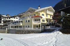 Villa Romantica Appartement Mayrhofen Located in the centre of Mayrhofen in the Ziller Valley, Villa Romantica offers spacious apartments with a balcony and free Wi-Fi. The Penkenbahn Cable Car is 300 metres away. Villa, Mansions, House Styles, Wi Fi, Apartments, Balcony, Centre, Cable, Hotels