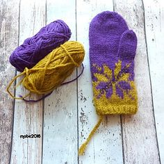 Ravelry: Februar votter / February mittens pattern by MaBe Knitted Mittens Pattern, Knit Mittens, Knitted Gloves, Stitch Patterns, Knitting Patterns, Knit Crochet, Crochet Hats, Fair Isle Knitting, Halloween
