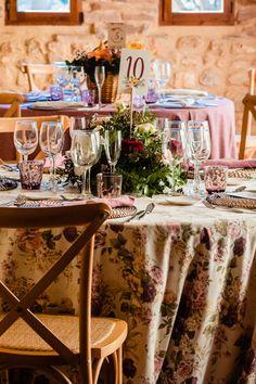 #minutas #minutasdeboda #minutasbodas #minutaseventos #menusdebodas #menudeboda #papeleriadeboda #menudelaboda #minutadelaboda #meseros #seatingplan #seattingplan #minutaboda #papeleriaparabodas #papeleriabonitadeboda #papeleriabonita #latiendadeolivia Ideas Para, Floral, Table Decorations, Wedding Calendar, Happy Tears, Thank You Cards, Wedding Stationery, Cute Stationery, Invitations
