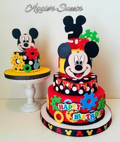 Mickey Mouse birthday cake and Smash cake Mickey 1st Birthdays, Mickey Mouse Birthday Cake, Mickey Mouse First Birthday, Baby Birthday Cakes, Disney Birthday, Birthday Kids, Cake Baby, Minnie Y Mickey Mouse, Bolo Mickey