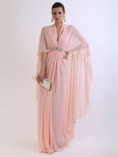 فستان من الشيفون تمتلكين الأناقة والتألق به. من تصميم جوليا دوماني على موقع سكرللتسوق  www.sukar.com