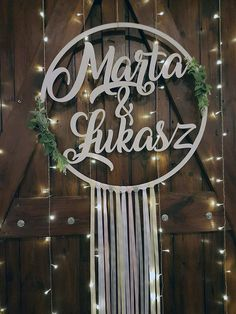 Duże koło 75 cm z imionami Night Wedding Photos, Wedding Night, Diy Wedding, Rustic Wedding, Construction Party, White Balloons, Wedding Balloons, Wedding Signage, Simple Weddings