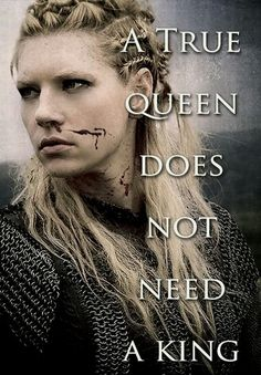 Lagertha is the leader & will still act like a leader of her people in England. Wee Blossom was more feminine, but Lagertha is a true queen like her. Ragnar Lothbrok, Lagertha Vikings, Lagertha Hair, Vikings Tv Series, Vikings Tv Show, Katheryn Winnick, Citations Viking, Bracelet Viking, Viking Quotes