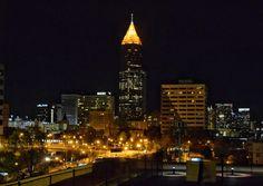 Nashville di notte sfavilla di luci