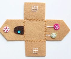 Felt Gingerbread House Ornament Tutorial - Take off the roof and little gingerbread people live inside!, Felt Gingerbread House Ornament Felt Gingerbread House Ornament Tutorial - Take off the roof and little gingerbread people live inside! Christmas Sewing, Handmade Christmas, Christmas Crafts, Christmas Houses, Christmas Fabric, Christmas Printables, Christmas Christmas, Felt Christmas Decorations, Felt Christmas Ornaments