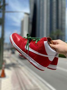 Exclusive Sneakers, Nike Dunks, Best Brand, Street Wear, Footwear, Sneakers Nike, Pairs, Big, Store
