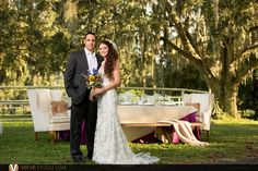 Golden Ocala Golf And Equestrian Country Club Wedding Barn Photography Bride With Horses