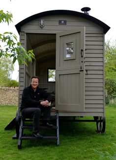 David Cameron and Red Sky ? linked by charming twist of fate http://www.redskyshepherdshuts.co.uk/blog/2017/4/24/david-cameron-and-red-sky-linked-by-charming-twist-of-fate