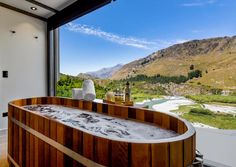 Best Things to do on Your Queenstown Honeymoon | Simply Perfect Weddings - Queenstown Wedding Planners Queenstown Activities, Capital Of New Zealand, Spa Studio, Queenstown New Zealand, Romantic Escapes, Adventure Activities, Relaxing Day, Beautiful Dream, Best Places To Eat