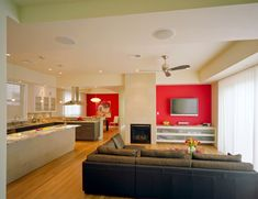Eclectic Home Design in Stylish Interior Appearance : Stunning Modern Living Room Design Black Sofa Marathon House Living Room Interior, Interior Design Living Room, Living Room Designs, Living Room Red, Living Room Accents, Vase Rouge, Contemporary Living, Modern Living, Casual Dining Rooms