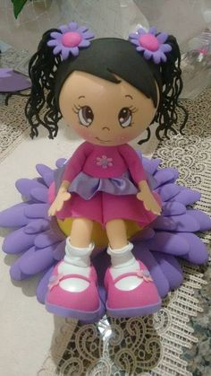 En flor 540×960 píxeles Crafts To Sell, Diy And Crafts, Arts And Crafts, Toys For Girls, Kids Toys, Box Surprise, Doll Face Paint, Disney Charms, Felt Patterns