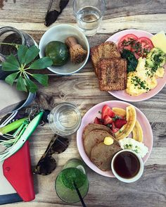Sydney brekkie  love this sweet spot... the food is delish and very pretty…