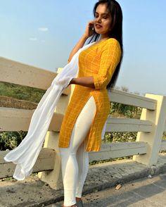 Desi Girl Image, Girls Image, Girls In Leggings, Tight Leggings, Traditional Fashion, Salwar Suits, Beautiful Actresses, Kurti, Tights