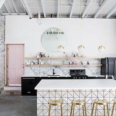 Work the pink . . . . . . . . . #kitchen #kitchendesign #kitchenremodel #kitchendecor #kitchenisland #kitchendesigner #kitchenideas…