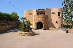 Vivienda para reformar de cuatro dormitorios en #venta en la Coveta Fumá || Four Bedroom Single Family #House for #sell in Coveta Fumá #Alicante