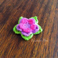 Flor de loto de colores tejida a crochet!.
