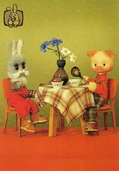 Vintage USSR postcard from the series Hello Friends! (Photo Y. Zharov and V. Ermakov). Via SanctaSimplicitas.