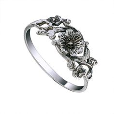 Flower and Leaf Light Weight Sterling Silver Ring by jewelkingthai, $12.00