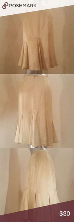 Papell Boutique Evening Champagne Gold Skirt Beautiful champagne gold silk pleated mermaid skirt! * 100% silk * Fully lined (100% polyester) * Dry clean only Papell Boutique Evening Skirts Midi