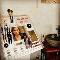 Natural Dr. Hauschka Make up.